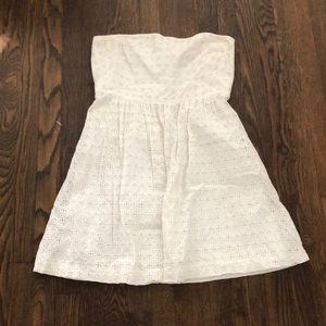 Straplesss white eyelet dress